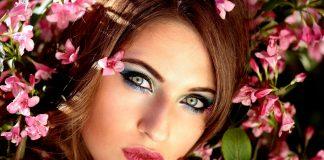 Красиви кукленски очи