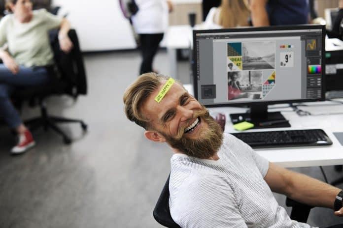 щастливи на работа