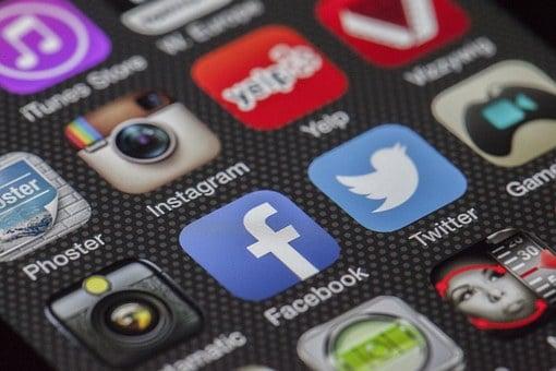 Зодиите и фейсбук