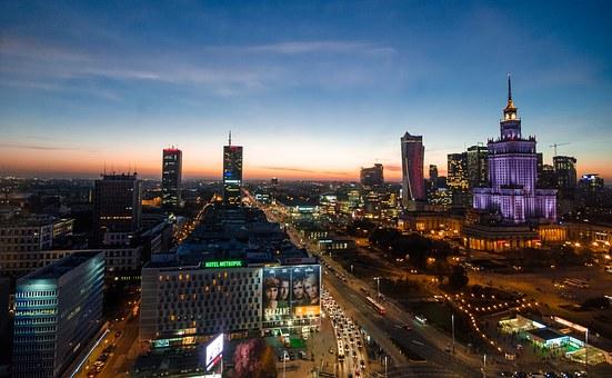 Нощна снимка над Варшава