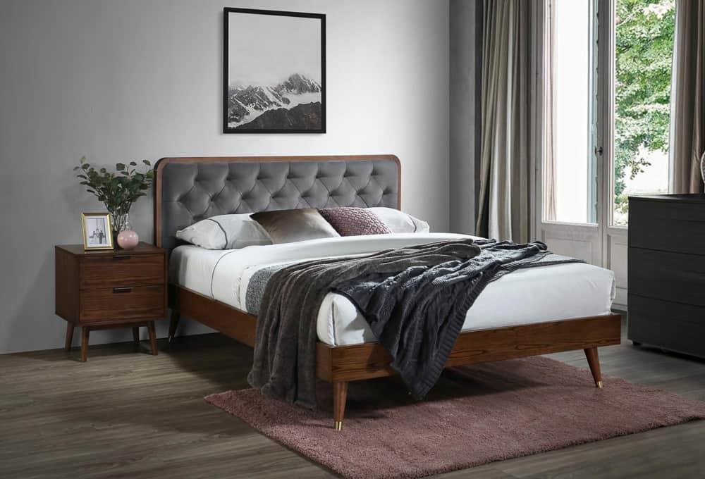 дървено легло
