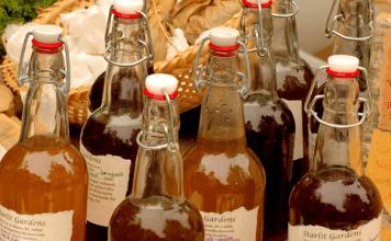 6 прости начина да подобрите състоянието на кожата с ябълков оцет